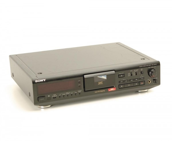 Sony DTC-ZE 700