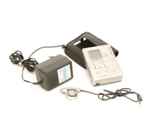 Sony TCD-D 100