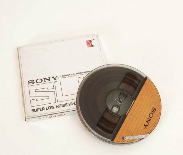Sony SLH 18er Tonbandspule DIN Kunstoff mit Band