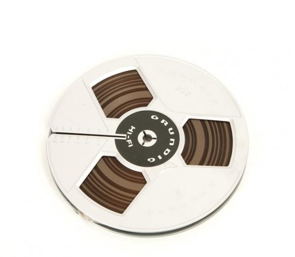 Grundig 18er Tonbandspule silbern DIN Kunststoff mit Band