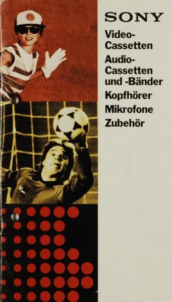 Sony Cassetten, Bänder, Kopfhörer, Mikros, Zubehör Prospekt / Katalog