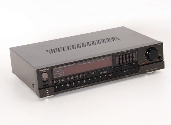 Technics SA-R 230
