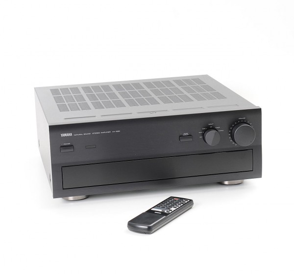 Yamaha AX-890