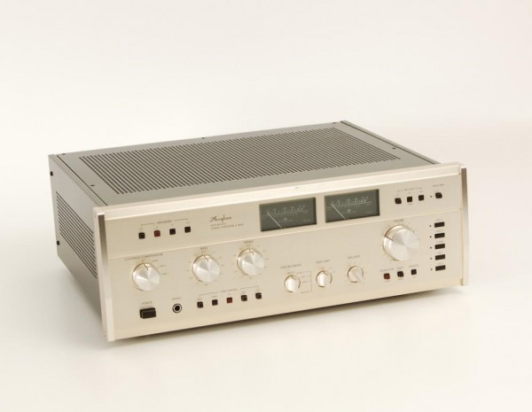 Accuphase E-303 X