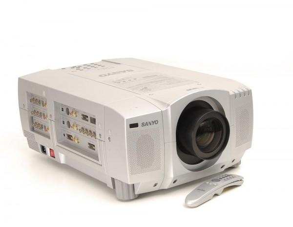Sanyo PLC-EF 10 E Beamer