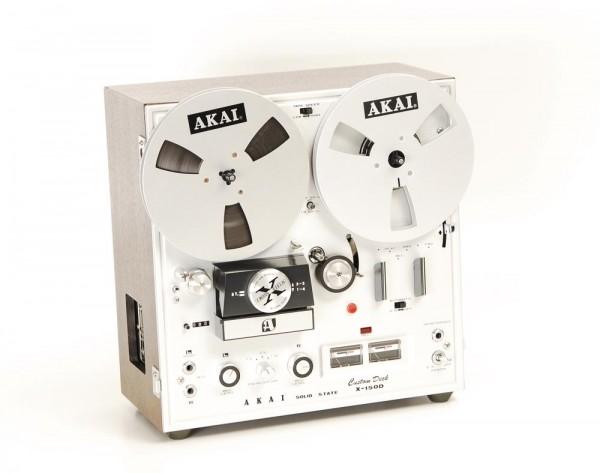 Akai X-150 D