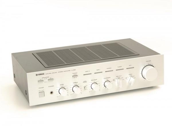 Yamaha A-560