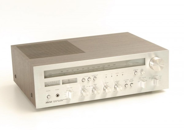 Akai AA-1050