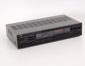 JVC R-X 110
