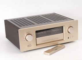 Accuphase E-406 V