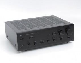 Yamaha AX-550