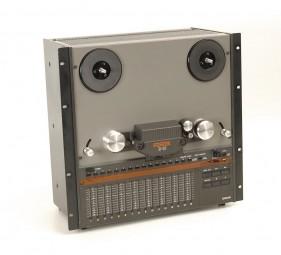 Fostex B-16 Tonbandgerät