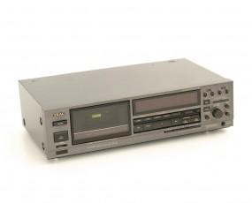 Teac V-970 X