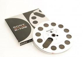 Sony R-7 MB voll silbern