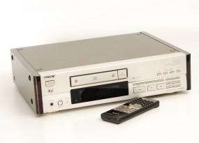 Sony CDP X-555 ES