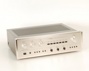 Accuphase E-205